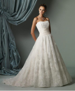 Simple Neckline Lace Wedding Dress with Beading