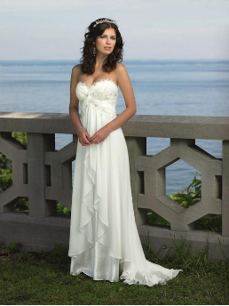 Charming Strapless Chiffon Beach Wedding Dress