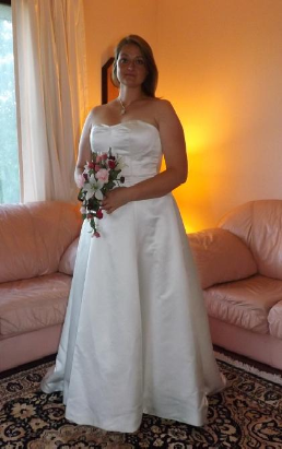 Satin Sweetheart Neckline Wedding Gown for rent - size 12