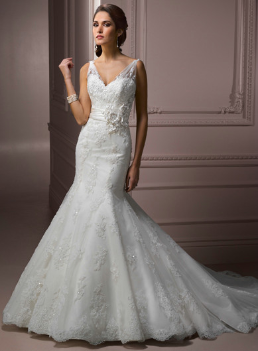 Refined Mermaid Style Organza and Lace Gown