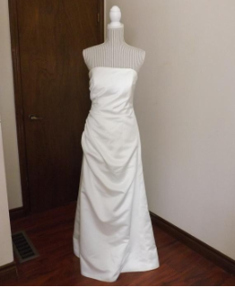 Simple Ivory Alfred Angelo Wedding Gown for rent - size 8