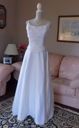 Two Piece Alfred Angelo Wedding Gown in White size 8