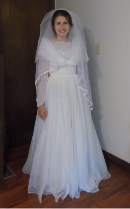 Vintage Organza over Satin and Lace Wedding Gown for rent - size 6