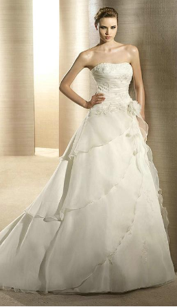 Elegant Strapless Satin and Organza Wedding Dress