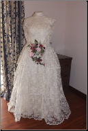 Antique Lace Wedding Dress for rent - size 8