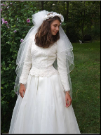 Genuine Paloma Blanca Wedding Gown in stock size 6