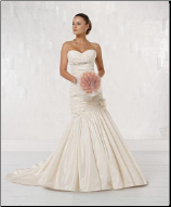 Charming Strapless Sweetheart Neckline Wedding Dress