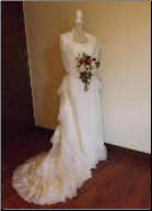Organza Vintage Bridal Gown with Matching Veil in stock size 8