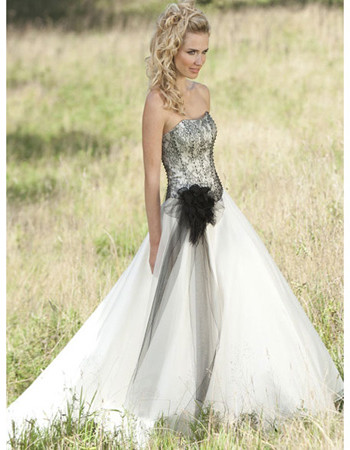 Chic Lace Princess Style Garden Wedding Dress, black lace bodice ...