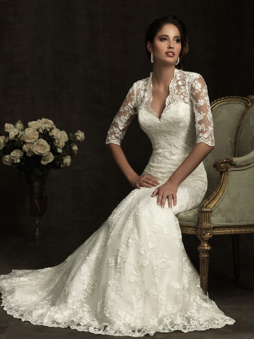 Wedding Dress Elegant Classic : Elegant lace fit and flare wedding dress a vintage look gown