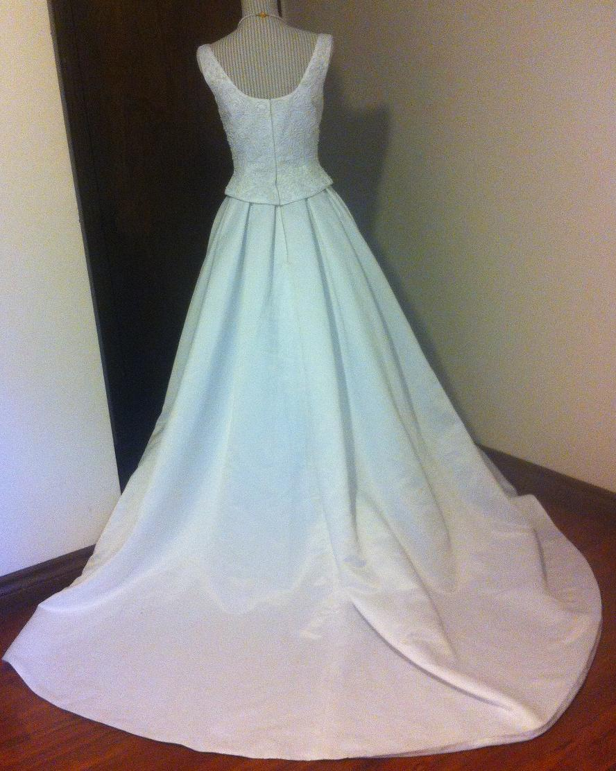 Fabulous formals white wedding gown for rent size 8 for Rent wedding dress london