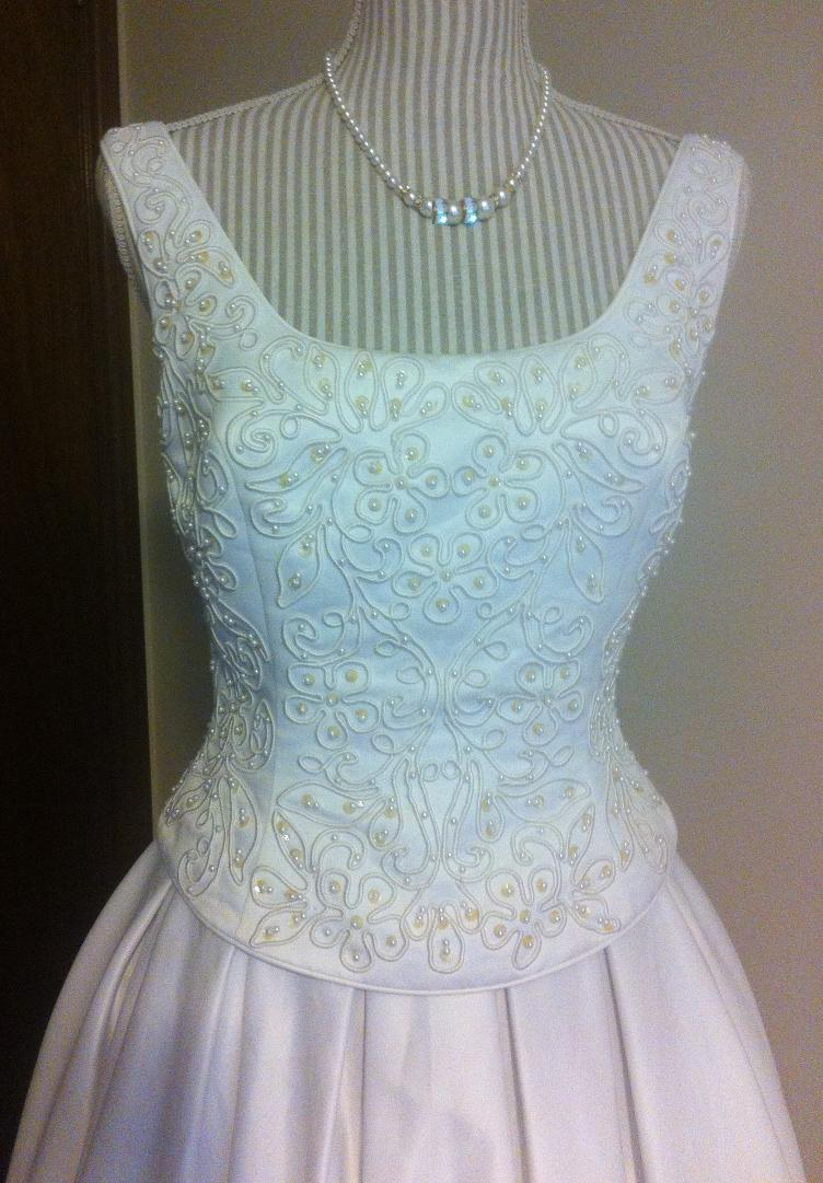 Graduation dresses graduation gown rental london ontario for Rent wedding dress london