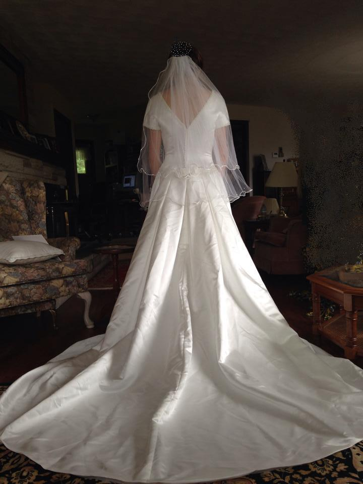 Bridal gown hire mori lee wedding gown with short for Rent wedding dress london