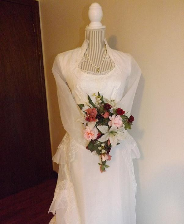 Gorgeous Vintage Organza Bridal Gown With Matching Veil For Rent Next Day Shipping Ontario Canada