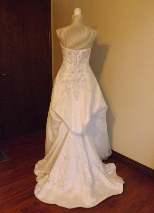 Graduation Dresses: Graduation Gown Rental London Ontario