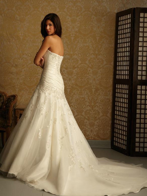 Strapless tulle over satin sweetheart neckline fit and for Sweetheart neckline fit and flare wedding dress
