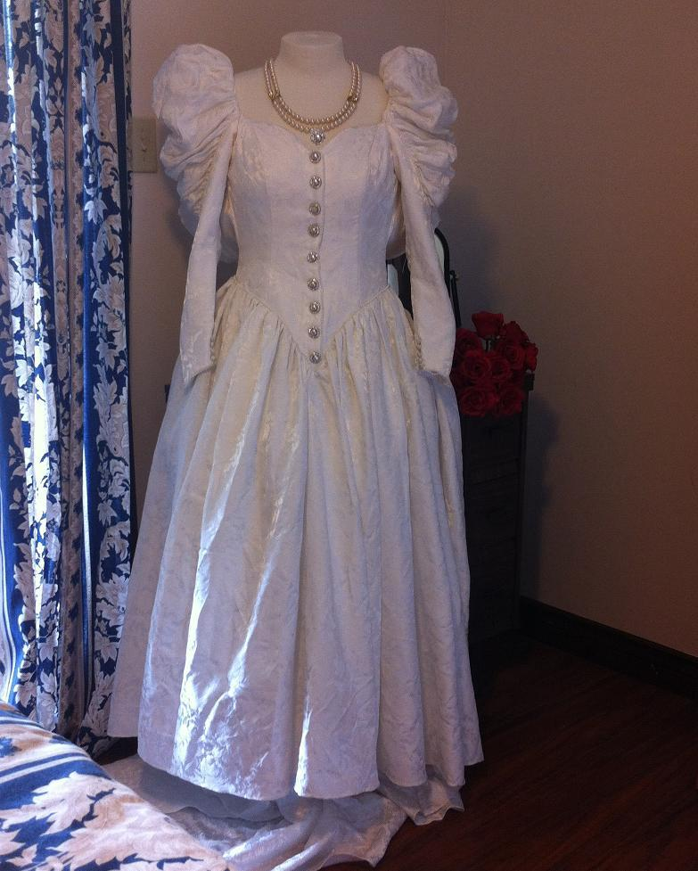 Tudor Style Brocade Wedding Gown Size 10 White Suitable