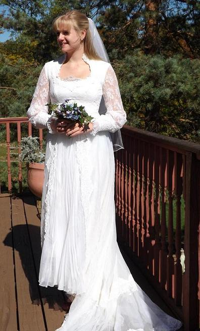 Vintage Organza and Lace Bridal Gown with veil